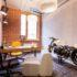 pokoj s cihlovou stenou